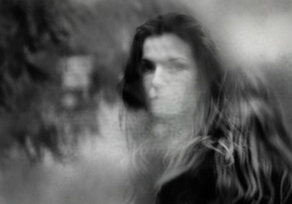 b_950_0_16777215_00_https___photar.ru_wp-content_uploads_2020_01_rosita-delfino-conceptual-portrait-photographer-13_result.jpg