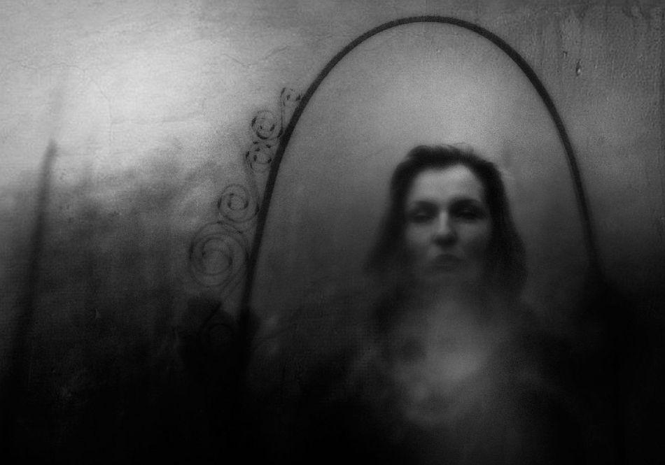 b_950_0_16777215_00_https___photar.ru_wp-content_uploads_2020_01_rosita-delfino-conceptual-portrait-photographer-16_result.jpg