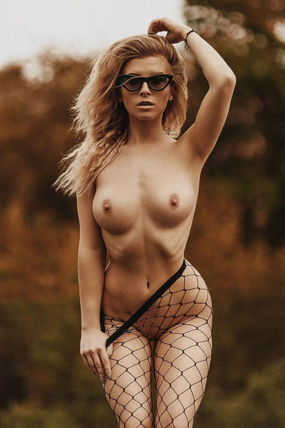 b_950_0_16777215_00_https___photar.ru_wp-content_uploads_2020_08_Karola-Chuchla_Photar_33.jpg
